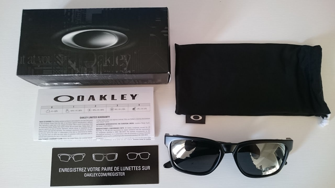 Oakley Catalyst Polarized (Unboxing) - YouTube 3e6ce72e58