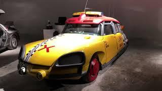 On vous fait visiter notre collection de voitures de cinéma !