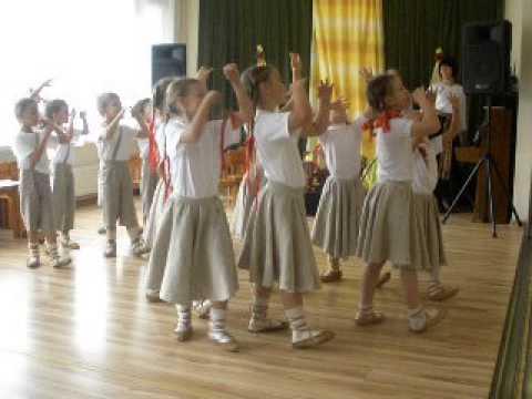 Traditional Latvian childrens dance