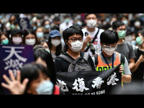 شرطة هونج كونج تطلق الغاز المسيل للدموع على المتظاهرين المنددين بقانون بكين -للأمن القومي-  - 13:59-2020 / 5 / 24
