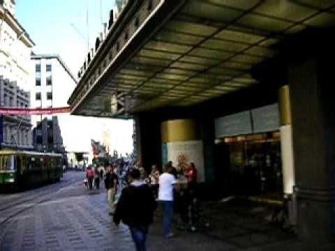 Helsinki sightseeing: Stockmann & Aleksanterinkatu from an open tram www.hesa.tk
