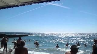 Пляж  отель Марат, Крым, Ялта, Гаспра(Это видео можно смотреть в HD качестве До пляжа и обратно добирались на канатной дороге, бесплатно. Пляж..., 2014-07-30T18:09:33.000Z)