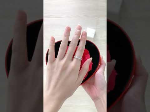 ariel ring + love shape box
