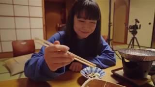 若原麻希が温泉撮影に挑むとのことなので、春野恵が撮影現場についてい...