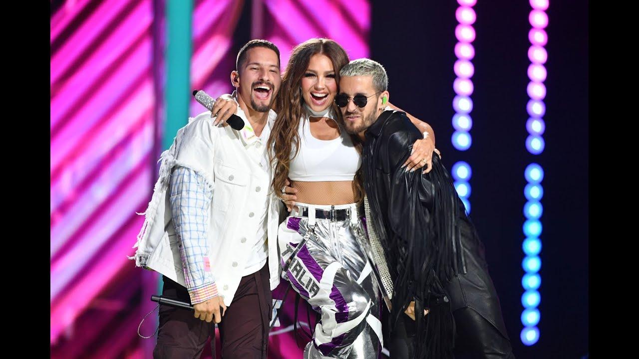 Resultado de imagen para Thalía premios lo nuestro 2020 mau y ricky
