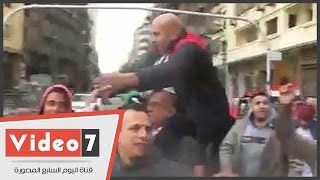"""بالفيديو..احتفالاً بثورة يناير.. مسيرة بـ""""التحرير"""" تهتف: """"الجيش والشعب إيد واحدة"""""""