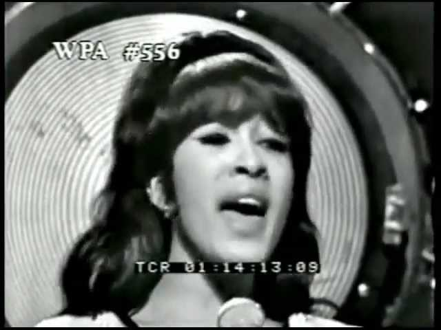Ronettes Christmas.You Baby The Ronettes Christmas 1965 Music Video