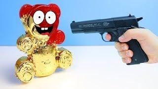 EXPERIMENT - Kann Blattgold Lucky Bär vor einem Schuss beschützen?