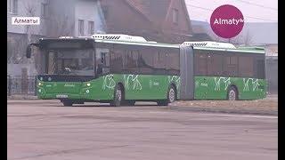 На улицы Алматы вернулись легендарные автобусы-гармошки (25.12.17)