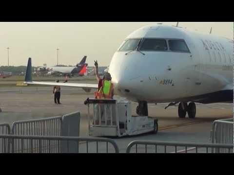 Delta Connection (Pinnacle) CRJ-200 Pushback at Detroit Metro   Gate A78