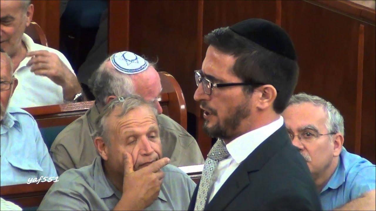 Cantor Dov Heller sings Adam Yesoido