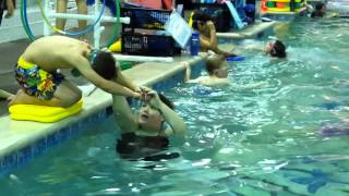 Video Beanie's swimming class - diving practice, December 8, 2015, 5:23 p.m. download MP3, 3GP, MP4, WEBM, AVI, FLV Desember 2017
