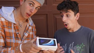 Surprising FaZe Rug with Custom iPhone - tik tok