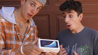 Surprising FaZe Rug with Custom iPhone!