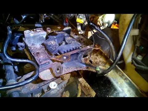 Ford Fiesta (Форд Фиеста) - Замена выжимного подшипника (Replacement Release Bearing)