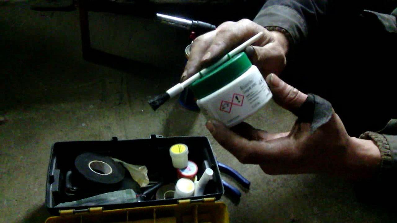Основу смазки составляет бентонитовая глина (бентонит), специальным образом обезвоженная и пропитанная нефтяными маслами. В бентонитовую.