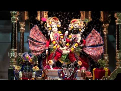 Devotees offering bhajan at Ujjain Temple