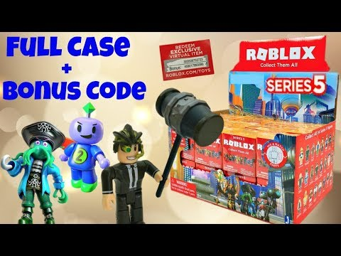 roblox-toys-series-5-blind-boxes-&-code-items,-unboxing-&-toy-review