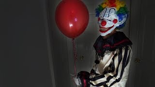 SCARY KILLER CLOWN ATTACK PRANK ON MY MOM (AS PENNYWISE FROM IT)