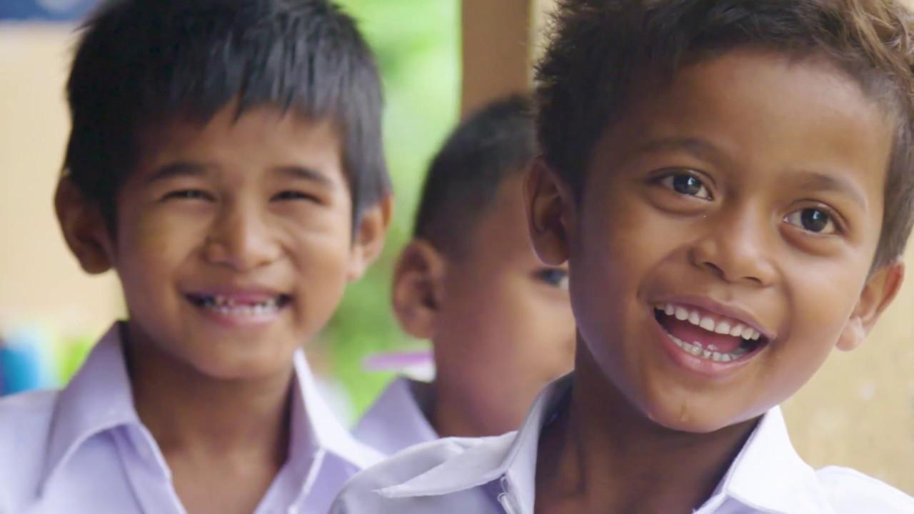 Kate Hudson besucht Kambodscha | Schau Hunger Stop