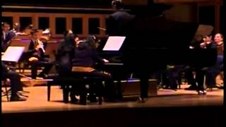 Diva Evelyn Reale plays G. Gershwin´s Rhapsody in Blue  -  São Paulo Concert Hall (live)