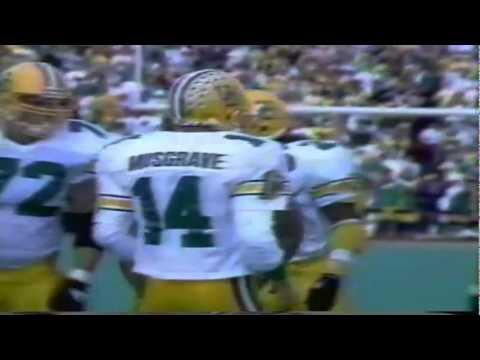 Oregon QB Bill Musgrave sneaks for a 1 yard touchdown run vs. UW 10-13-90