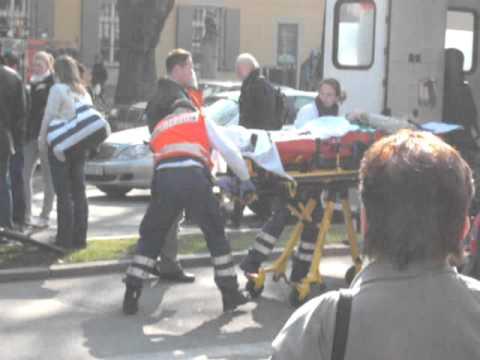 Fahrrad Unfall in Freiburg gegenüber Deutsche Bank am Mittag 4 März 2011 Von SOLAR 32