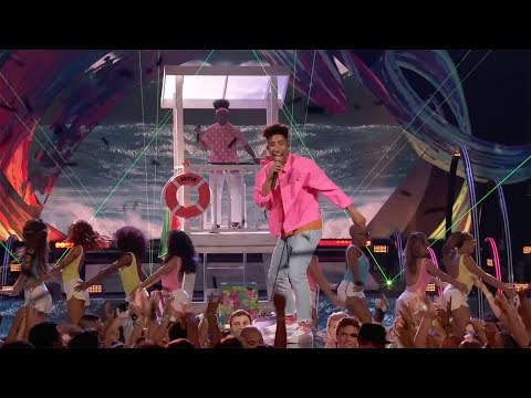 KYLE  iSpy ft Lil Yachty 2017 Teen Choice Awards Performance
