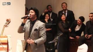 مصر العربية | سامح يسري يغني بحفل حق الشهيد بصيدلة عين شمس