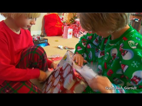 Christmas Morning 2015 - Opening Presents! | Gabe and Garrett