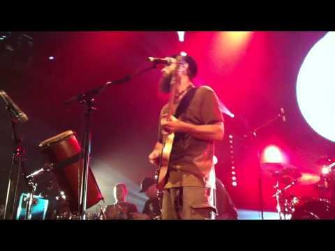 groundation chant live at la cigale paris