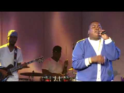 Sean Kingston - Fire Burning  -BEST LIVE PERFORMANCE!!