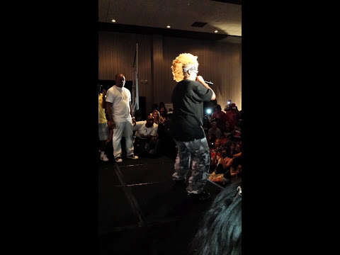 Da Brat spits accapella then performs Funkdafied