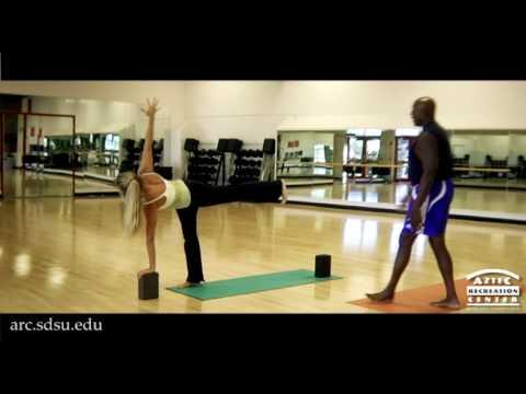 yoga parivrtta ardha chandrasanarevolved half moon pose