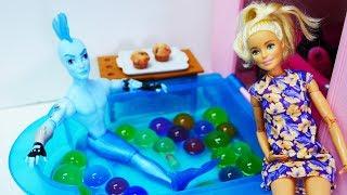 Барби спасает Вейка из Монстр Хай - Видео для девочек
