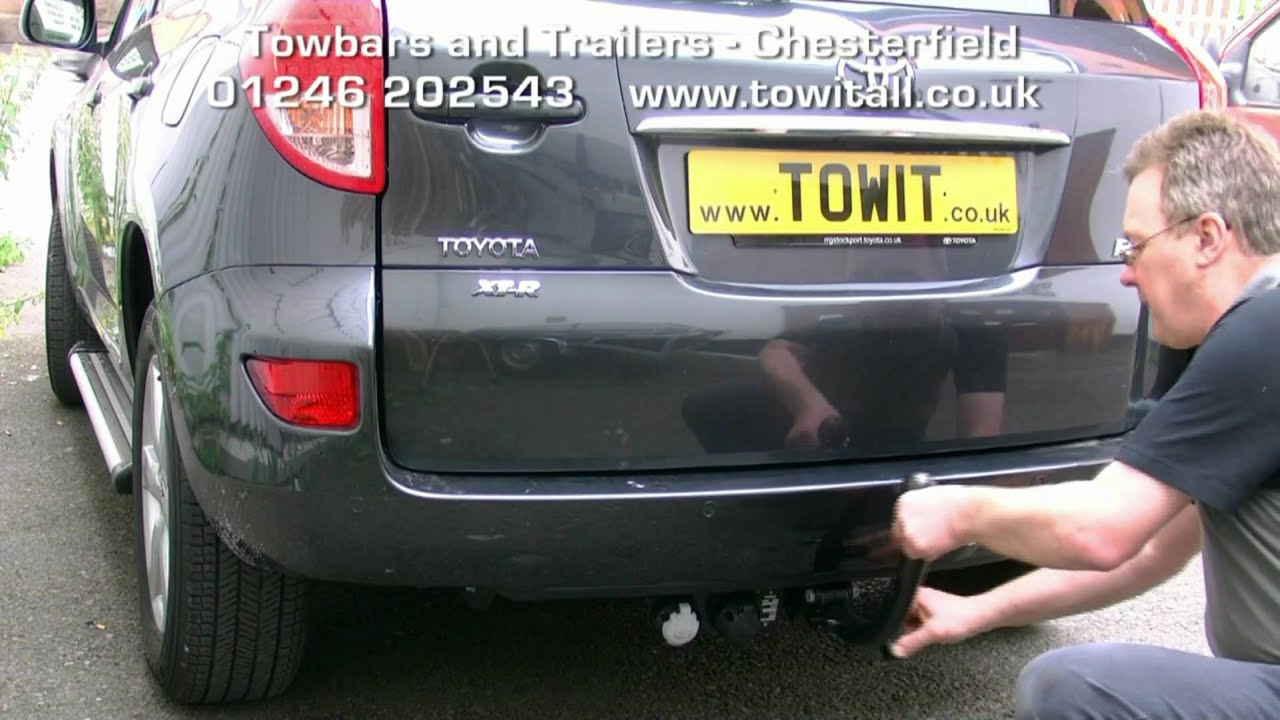 maxresdefault towbar video toyota rav4 detachable youtube rav4 tow bar wiring diagram at edmiracle.co