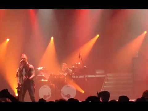 Bullet For My Valentine release Raising Hell -- 2014 'Big Day Out Festival - Giuntini Project IV