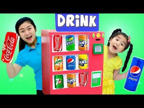 Suri Pretend Play w/ Giant Vending Machine Kids Toy