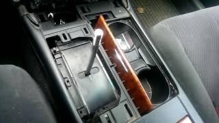 Замена лампочки подсветки рычага АКПП Тойота Камри V40