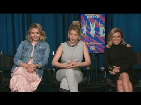 "90's icons preview new show ""Hollywood Darlings"""