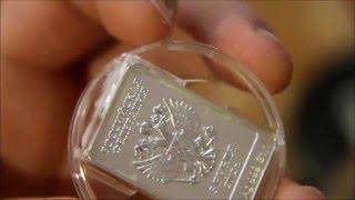 открываем капсулу для монеты с защитой от вскрытия..Open the capsule for coins with tamper