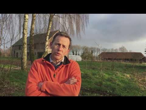 Olivier Tassel, agriculteur à Bertheauville (Seine-Maritime)