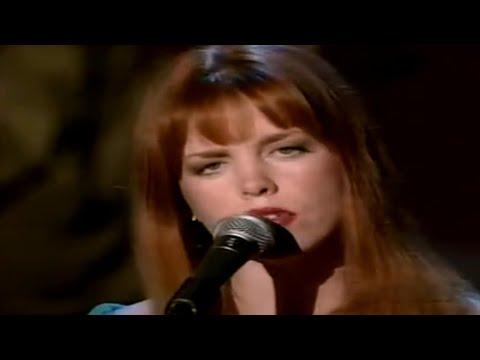 Joy Lynn White – It's Amazing (Live)