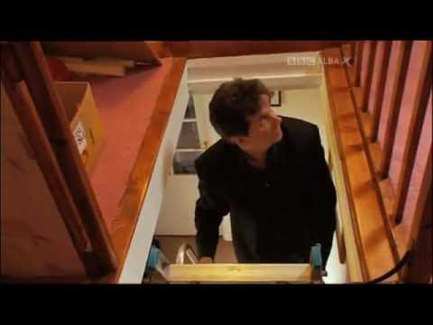 RUNRIG - DONNIE MUNRO GOES BACK TO HIS GRANNYS HOME IN PORTREE.- FAMILY TREE