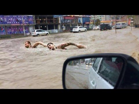 Махачкалу затопило после ливневых дождей.