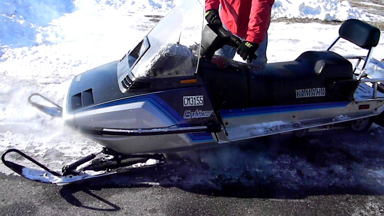 Yamaha Et  Snowmobile