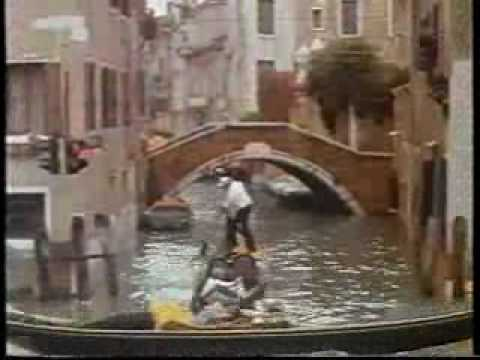 Moonraker - Venice speed boat chase