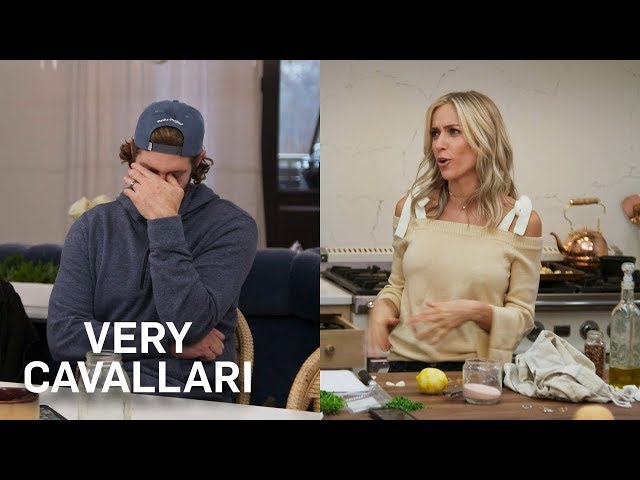 """Jay Cutler Gives Guy Advice to Kristin\'s BFF Kelly After \""""Idiotic\"""" Date 