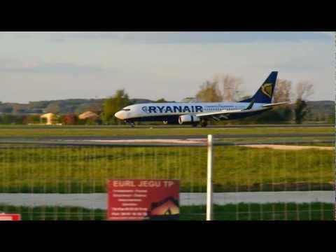 16 APR 2012 FRANCE DORDOGNE BERGERAC AIRPORT - Montage photos