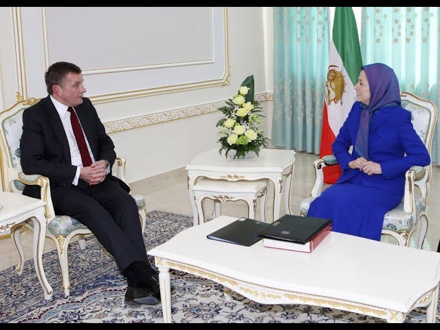 Rt Hon David Jones, British MP, meets with Maryam Rajavi
